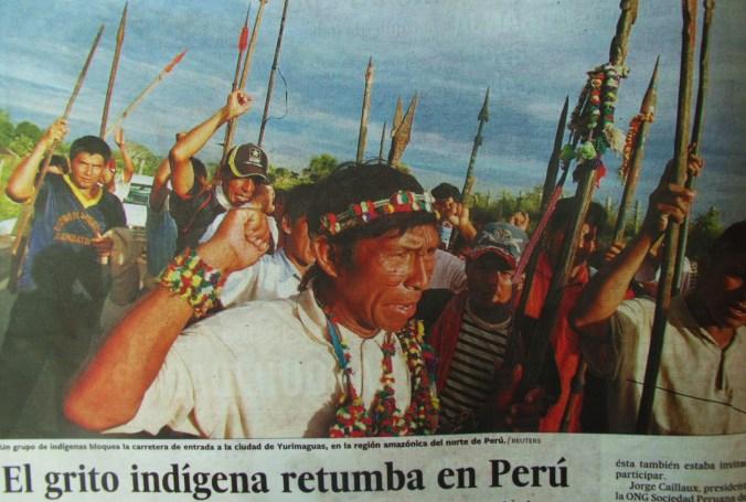 protesta en solicitud de proteccion a las selvas tropicales. Foto del Pais, edicion Valencia (España) del 14-5-09, Los comentarios son del autror del blog.